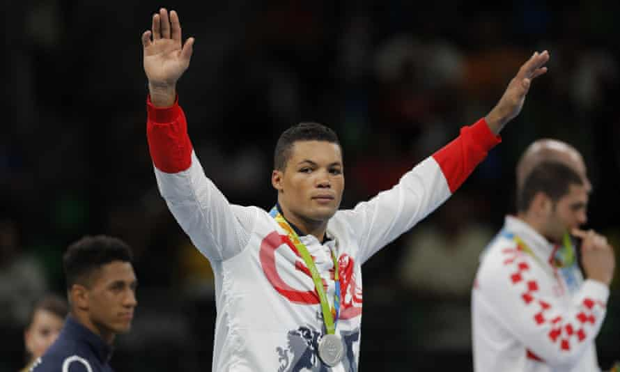 Joe Joyce acknowledges the crowd after collecting his silver medal.