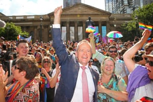 Leader of the Opposition Bill Shorten celebrates in the crowd at the State Library of Victoria.
