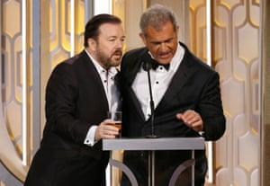 Ricky Gervais and Mel Gibson have an awkward moment