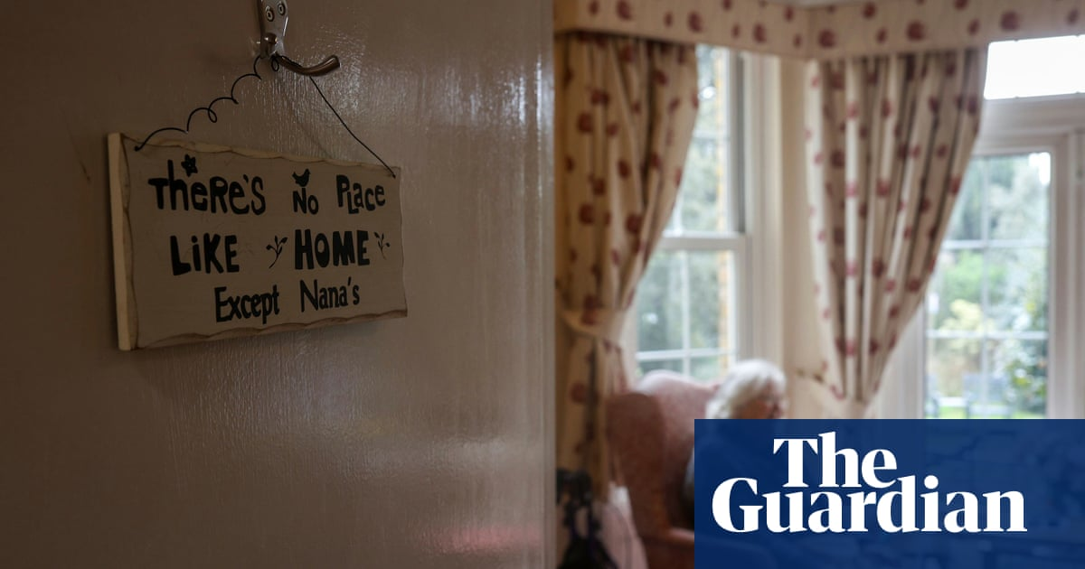 Families question isolation rule for visits out of English care homes