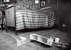 Lartigue's bedroom, 40 Rue Cortambert, 1906.