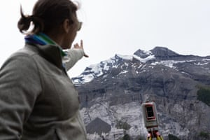 A scientist explains how instruments help track any movement on the mountains, allowing them to alert and evacuate residents and tourists ahead of a major rock fall.