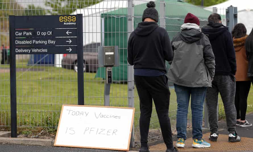 Queue outside vaccination centre