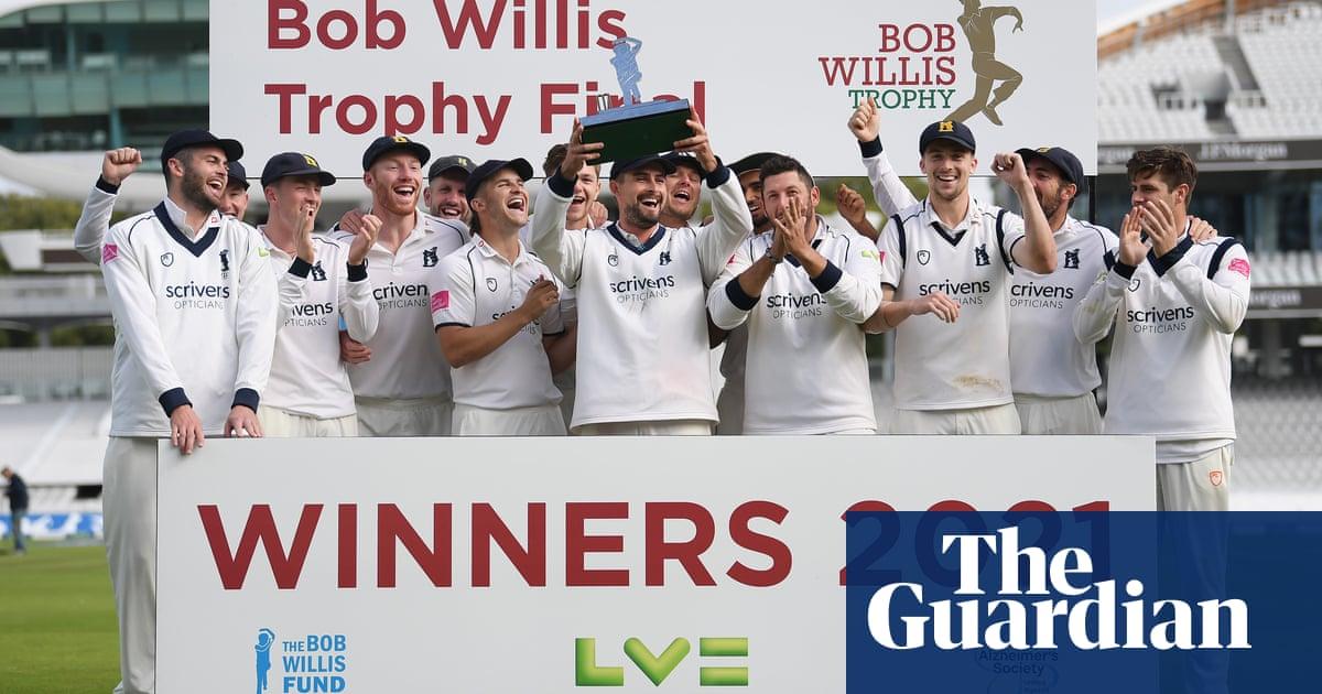 Warwickshire make short work of Lancashire to clinch Bob Willis Trophy