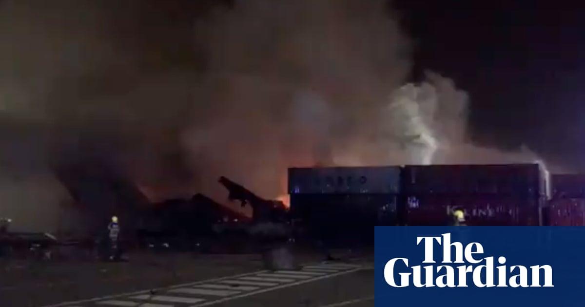 Large explosion on container ship at Jebel Ali port rocks Dubai – video