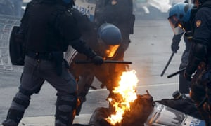 Milan Expo 2015 police, protesters clash
