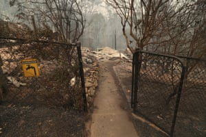Bushfire destruction in Gannet Place, Batemans Bay