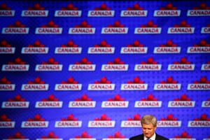 Canada's Prime Minister Stephen Harper pauses as he gives his concession speech after Canada's federal election in Calgary, Alberta