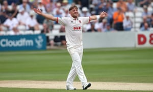 Aaron Beard bowled superbly as Essex condemned Somerset to their first defeat of the season.