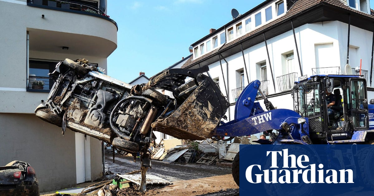 Far-right accused of aiding German floods clear-up to win support