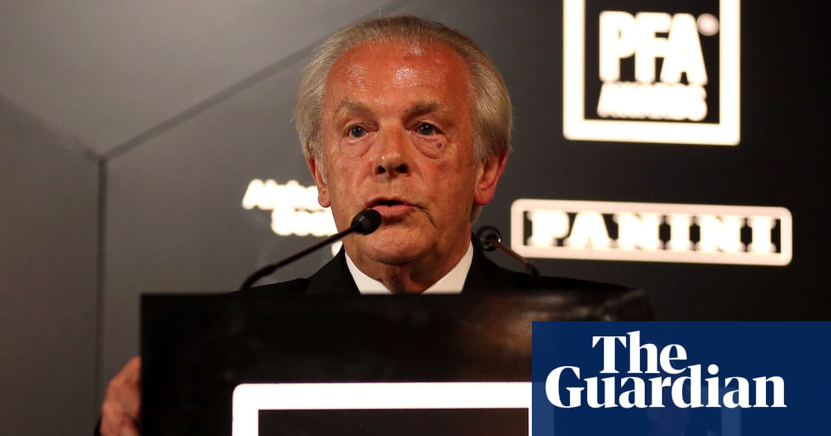 Gordon Taylor to stand down as PFA chief executive this season