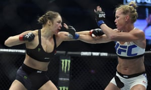 Роузи вернется в UFC 30 декабря в Лас-Вегасе.