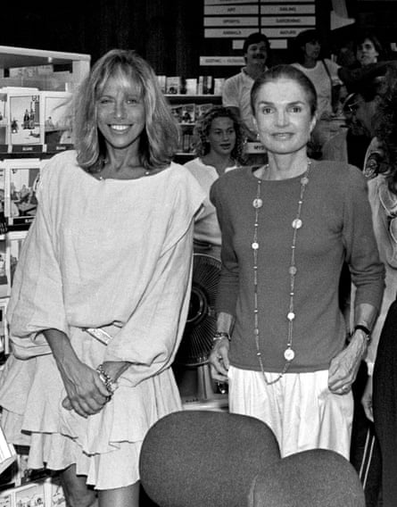 Simon with her friend Jackie Onassis in 1989.