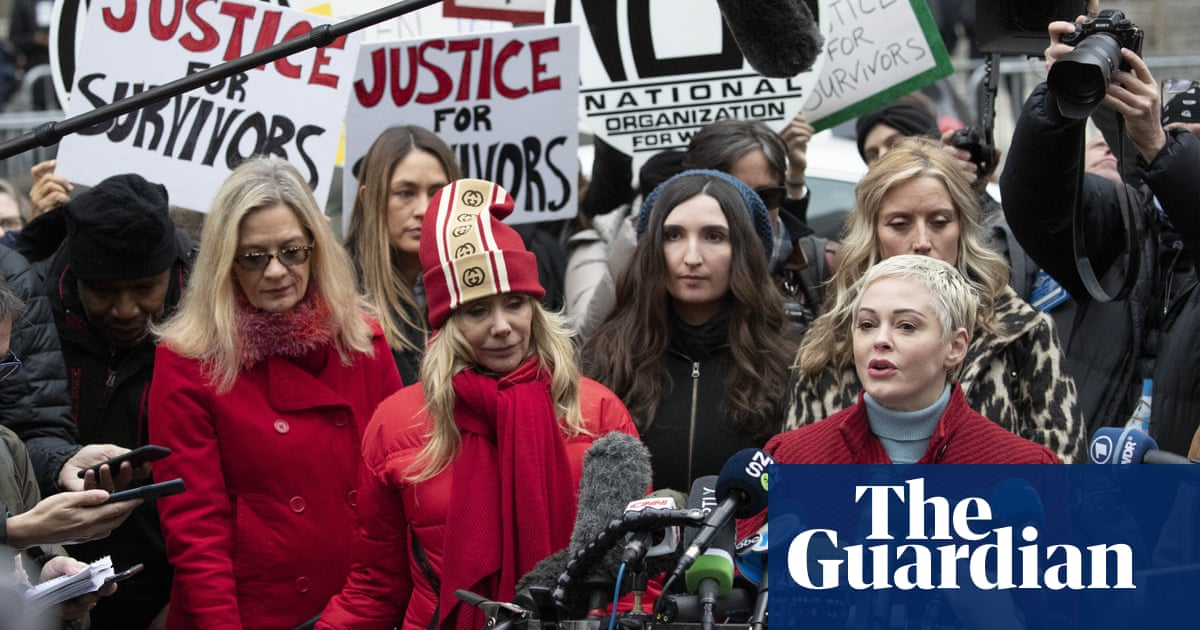 Harvey Weinstein accusers gather in solidarity to mark start of trial
