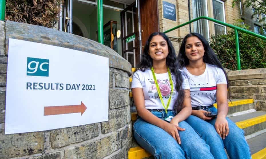 Naduni and Nipuni Mapatuna at Greenhead college, Huddersfield