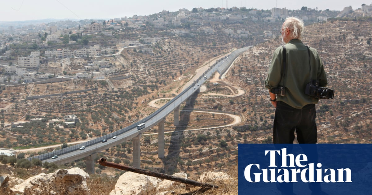 Barriers, barbed wire and borders in the head: Josef Koudelkas Holy Land