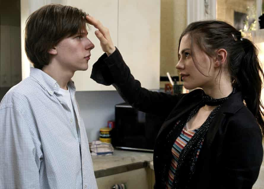 Actors Jesse Eisenberg and Anna Paquin in the 2005 film the Squid And The Whale