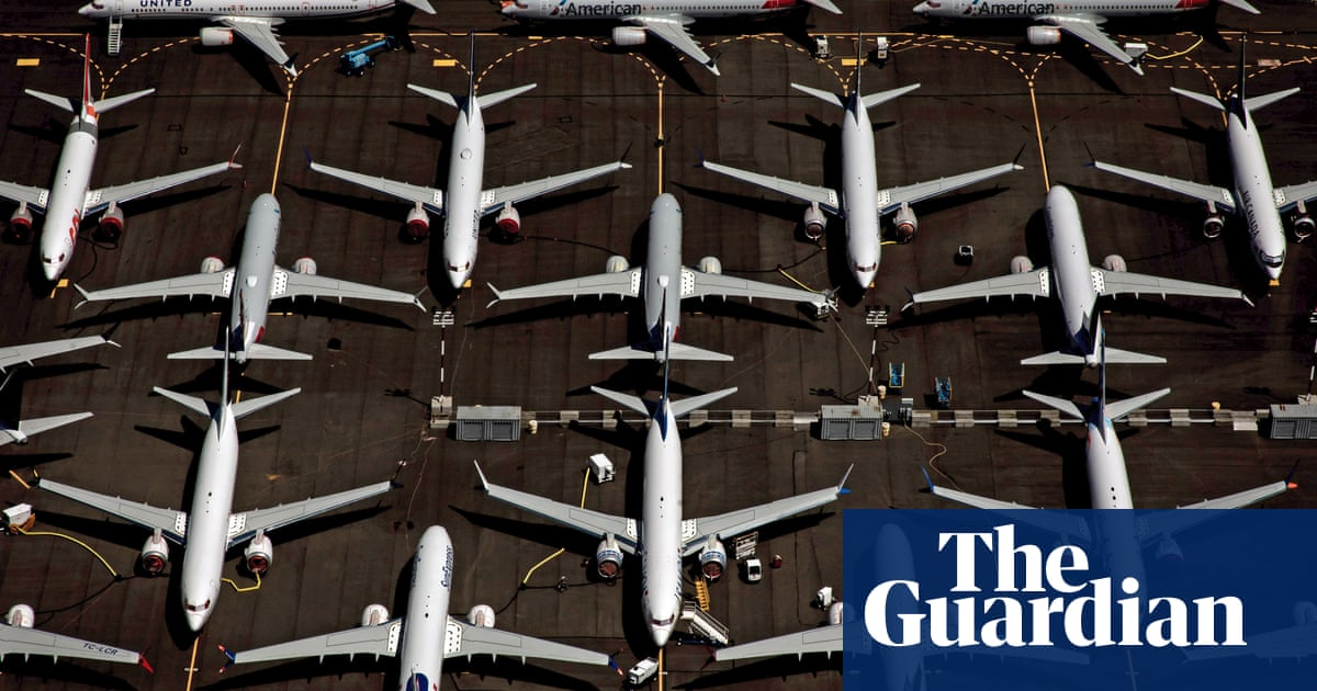 Tax soaring private jet use to fund green flying, says report