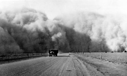 A large dust cloud gathers on Highway 59 in Colorado in May 1936