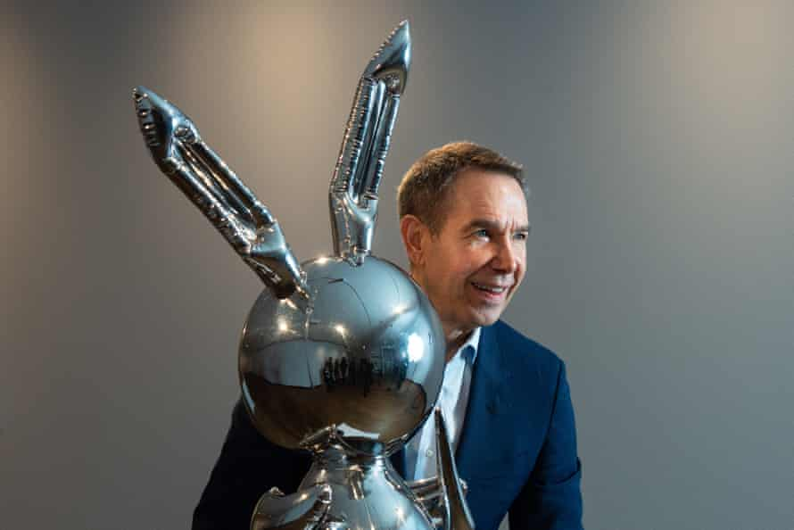 Jeff Koons with Rabbit at the Ashmolean.