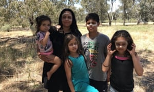 Ngarra with her children Willun, Koki, Ngalu and Wirra.