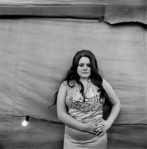Susan MeiselasExtra Girl USA. Fryeburg, Maine. 1975.