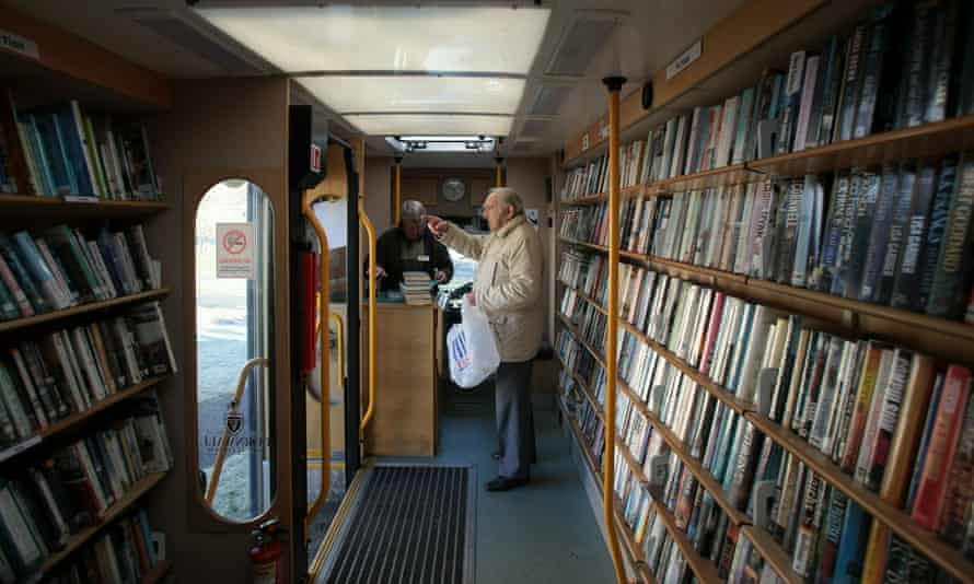 A mobile library in Rock, Cornwall