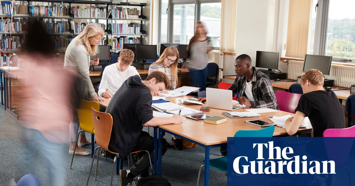 Daily Covid tests for students found to be as effective as group isolation