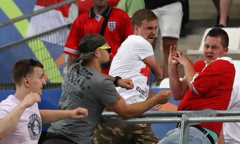 Russian fans attacking
