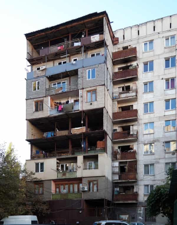 'Kamikaze loggias': these self-built extensions are common in Tbilisi.