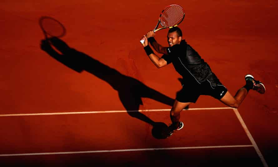 Jo-Wilfried Tsonga in full flow at Roland Garros in 2015, in the middle of his decade in the top 20.