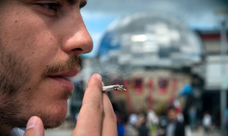 How some smokers stay healthy: genetic factors revealed