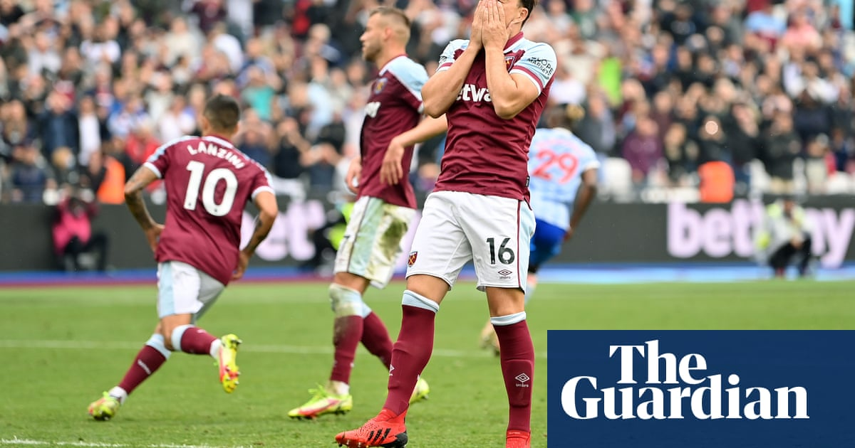 Noble and Moyes share the blame after West Ham throw point away