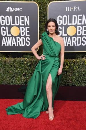 Catherine Zeta-Jones in an emerald green fan number by Elie Saab Haute Couture.