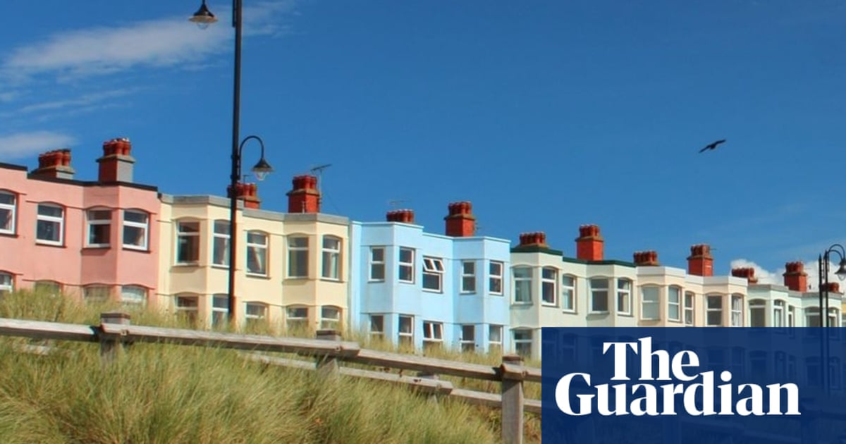 What should I do with the £180,000 from a house sale until I buy another?