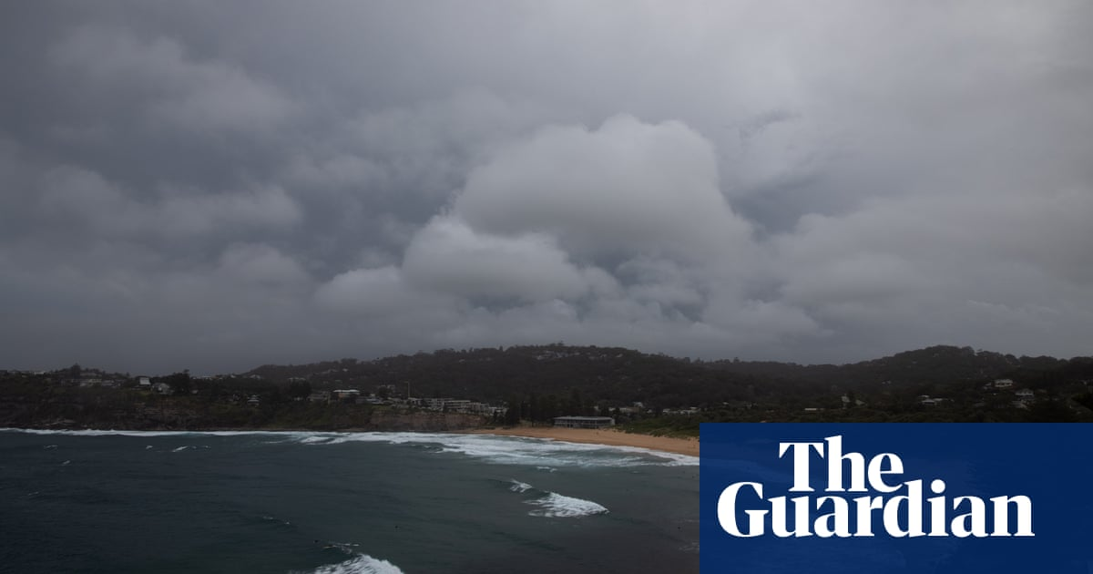Sydney storm: BoM warns of potential 'tornado activity' before thunderstorms and giant hail hit