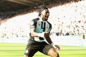 Allan Saint-Maximin of Newcastle United celebrates after scoring his side's second goal.