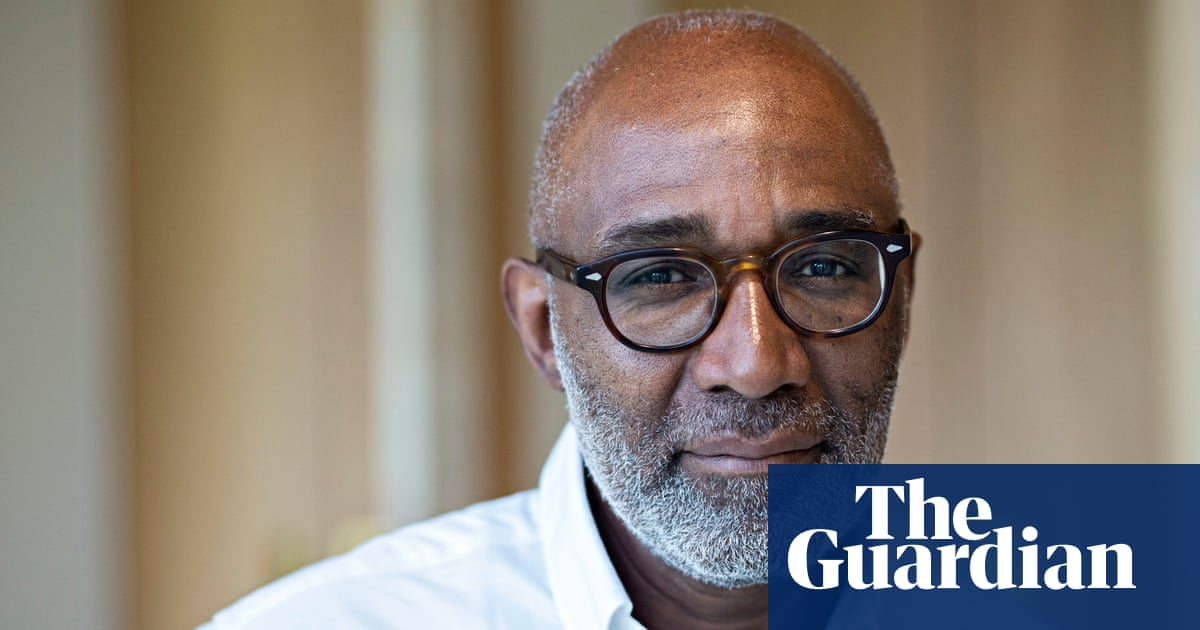 Labour lifts Trevor Phillips' suspension for alleged Islamophobia
