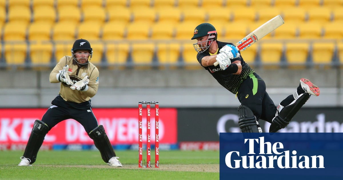 Aaron Finch finds form as Australia stay alive with win over New Zealand in third T20