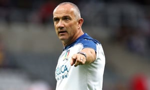 Italy head coach Conor O'Shea says England power runners are key to success in Japan.