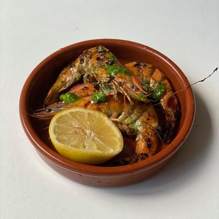 Check the 'vivid, green garlic and parsley oil' in Frank Camorra's garlic prawns