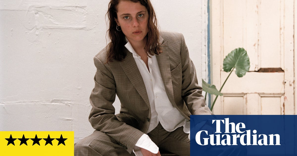 Marika Hackman: Any Human Friend review – selfishness, sex and passion