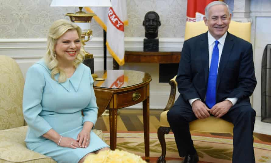 Benjamin and Sara Netanyahu in the Oval Office during a visit to the White House in 2018