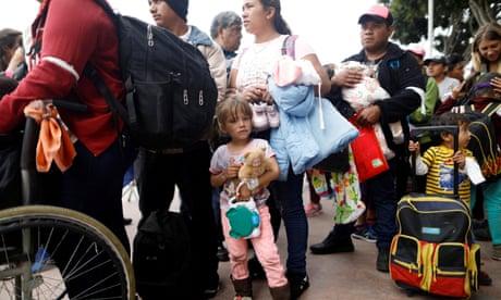 US stops caravan of Central American asylum seekers
