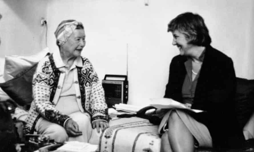 Simone de Beauvoir (left) with Deidre Bair.