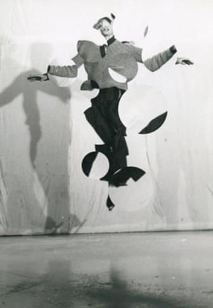 The Parachutist, silk