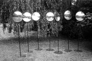 """Stehlinsen (Light-Lenses), 1982-86""""The entire paradox of light,"""" said Luther, """"is that it includes everything that is visible, but is invisible itself."""""""