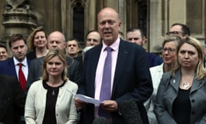 Chris Grayling (centre)