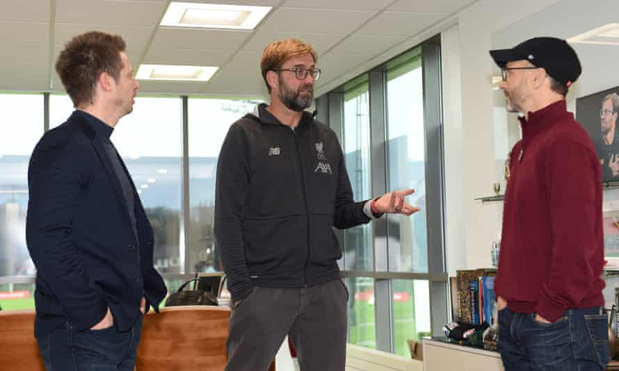 Jürgen Klopp with Mike Gordon (right) and Michael Edwards in December 2019.