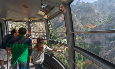 Tourists inside the rotating tram car on the Palm Springs Aerial Tramway